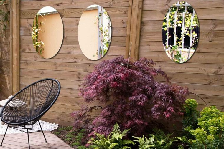 valla-madera-espejos-redondos-estilo-moderno