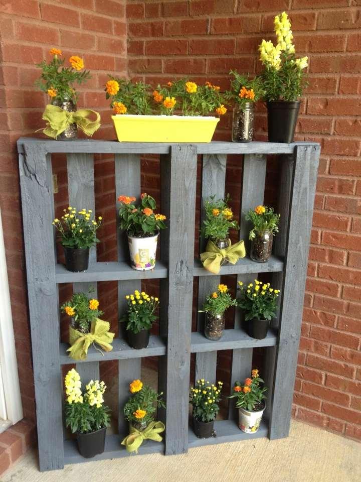 decorar jardin barato estantes muebles