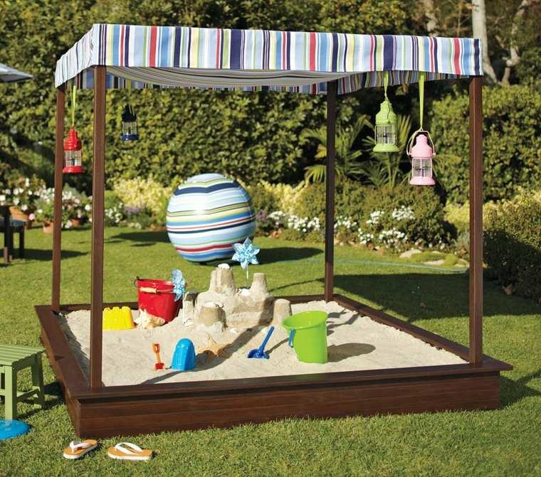 Parque infantil para realizar m ltiples actividades en el for Parque infantil jardin