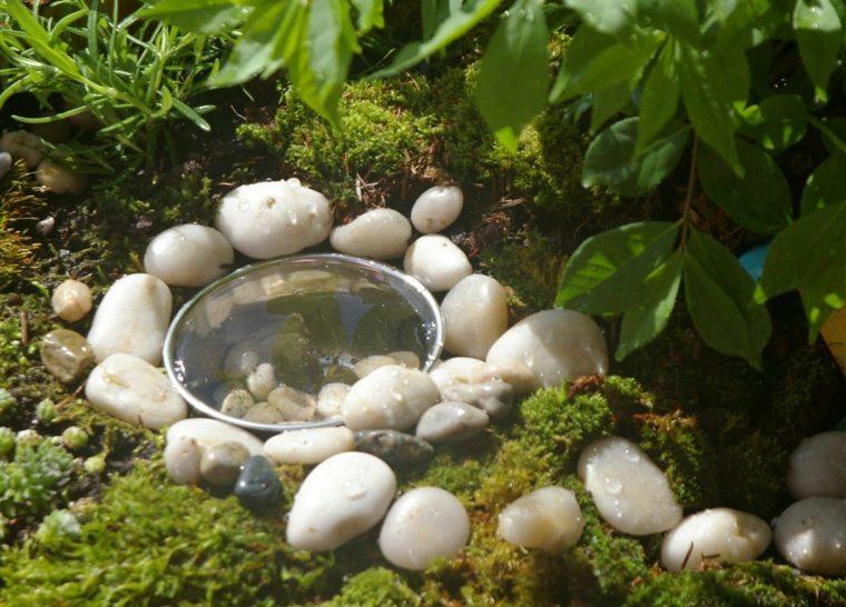 ideas para jardines con piedras musgo