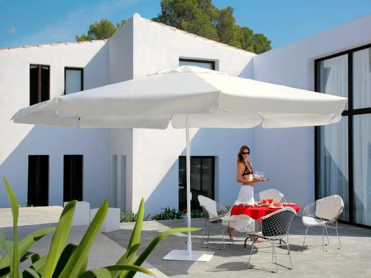sombrillas jardin-terraza-blanca-moderna-estilo