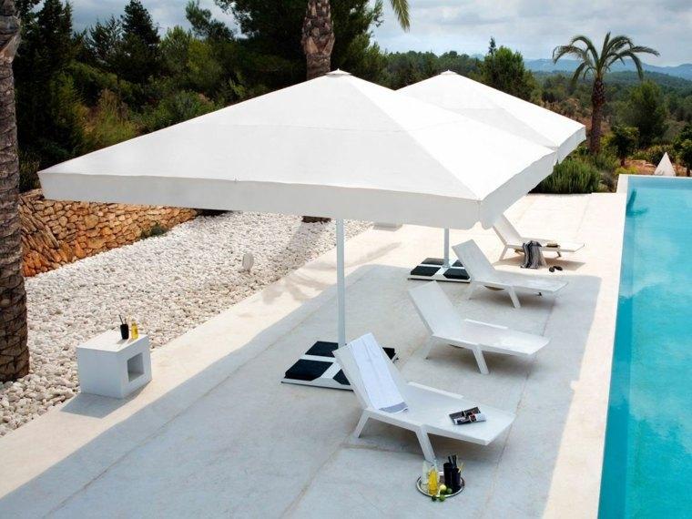 sombrillas jardín-terraza-estilo-original-piscina