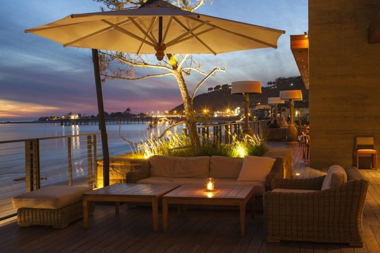 sombrillas jardín-terraza-noche-diseno-muebles