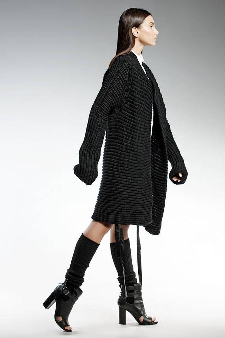 chaleco-negro-largo-mujer-pendari