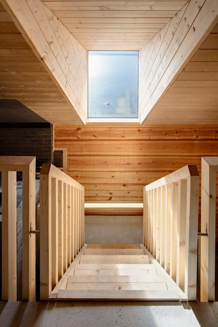 claros espacios escaleras interiores