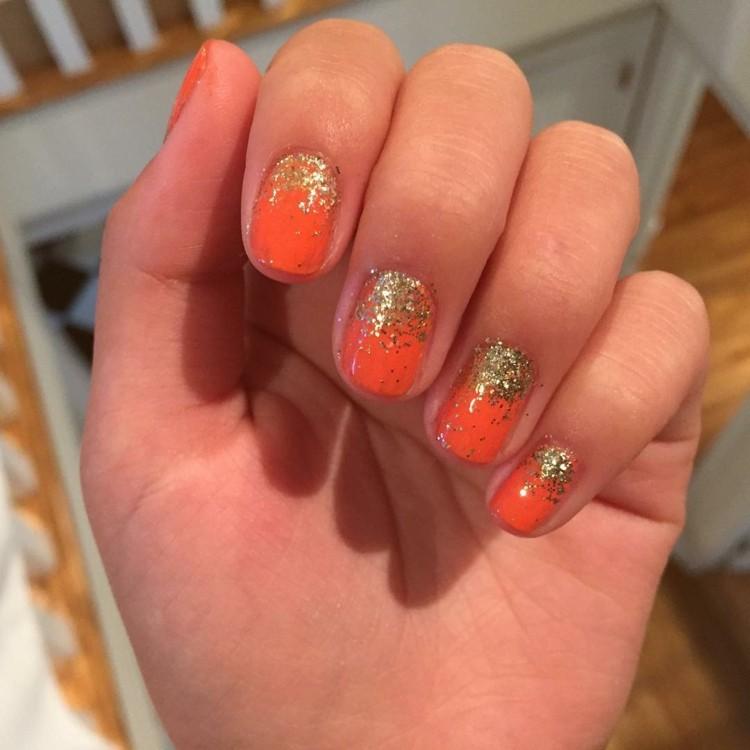 diseños de uñas detalles naranja especiales