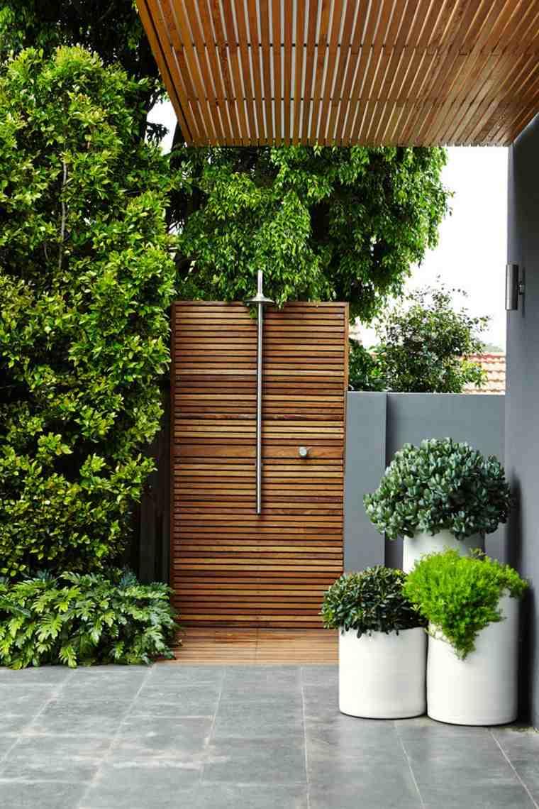ducha diseño listones madera separadora