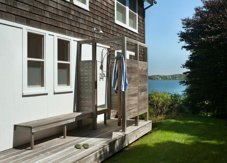 ducha diseño sobre plataforma madera
