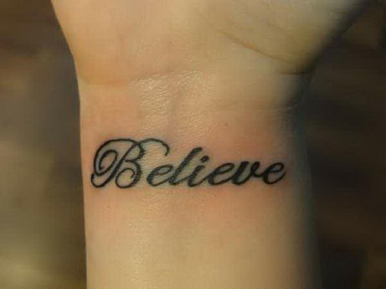 frases para tatuajes muneca-mano-opciones