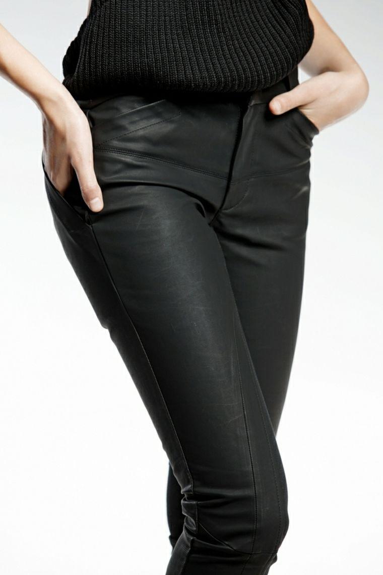 marcas-de-ropa-pendari-pantalon-negro-diseno