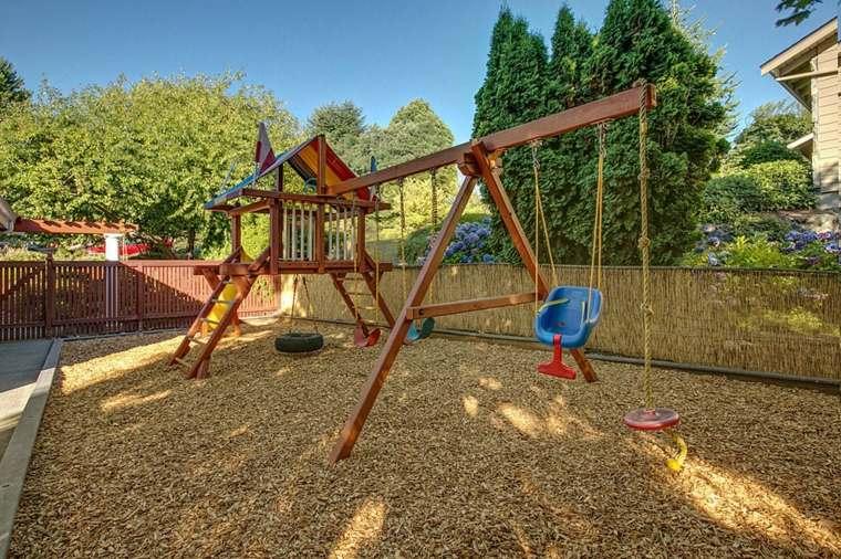Columpios nios para jardin good parque infantil tobogan for Parque infantil jardin
