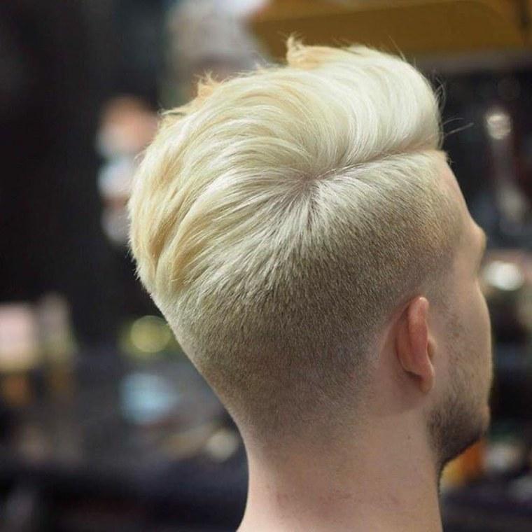 pelo-rubio-peinado-voluminoso