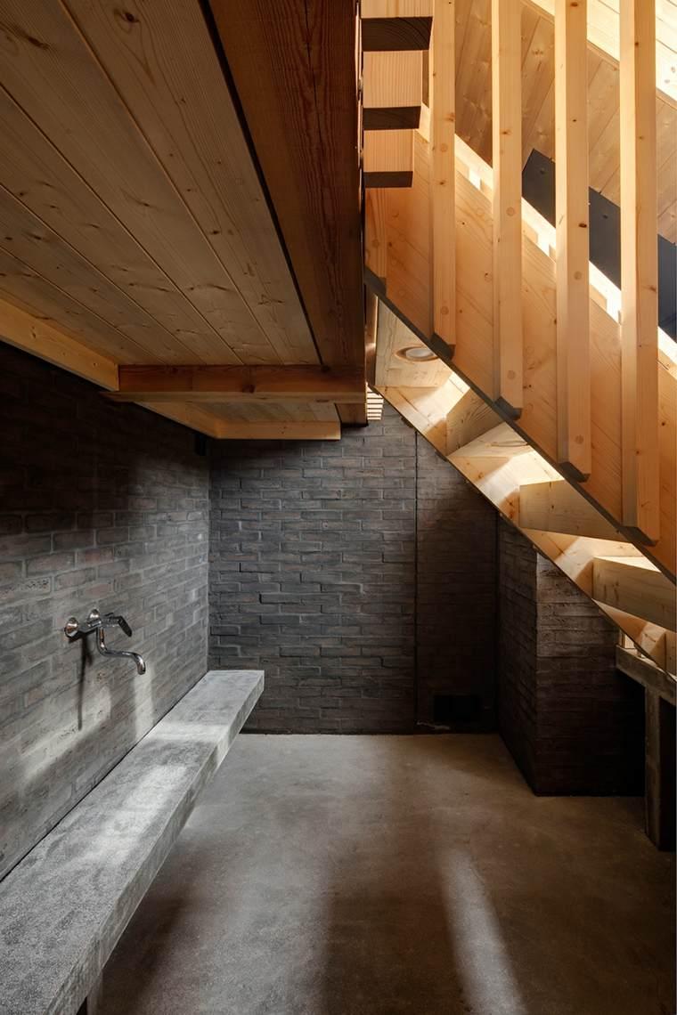 sauna vista interior escalera madera