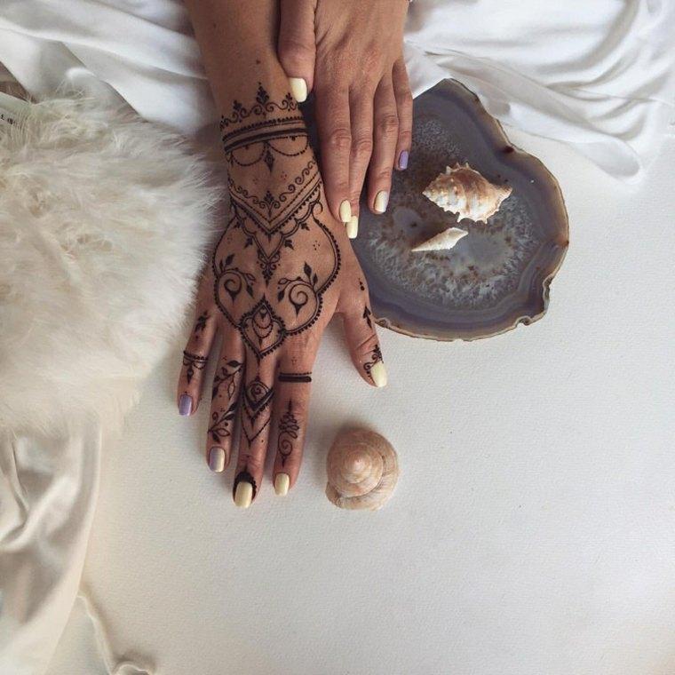tattoos de henna mano