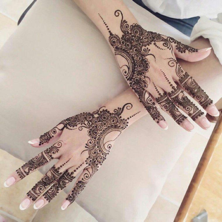tatuajes de henna oscuros