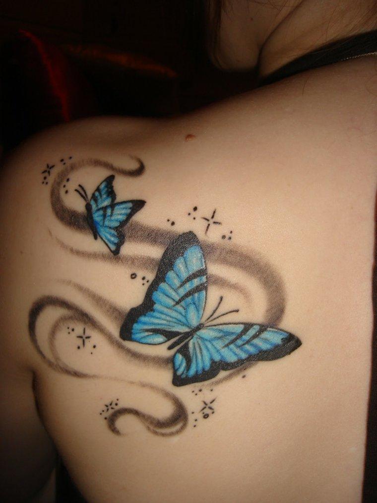 tatuajes-mujeres-opciones-mariposas-pequenas-azules