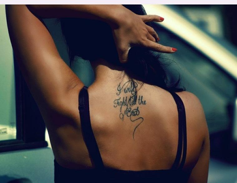 tatuajes-para-mujeres-letras-escritura