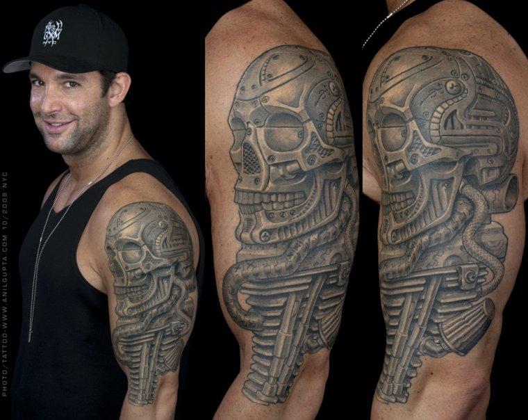 Tatuaje de biomecánica original