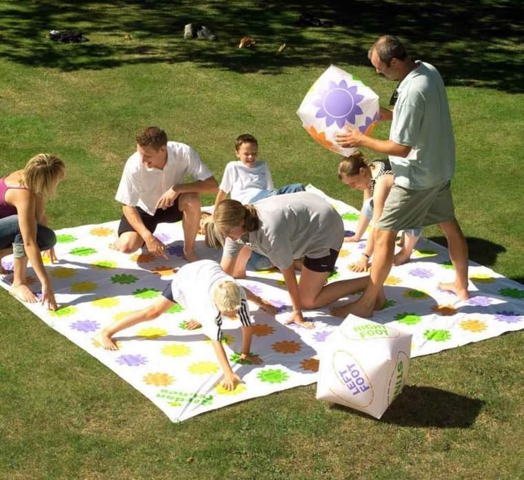 cesped patios modernos familiares