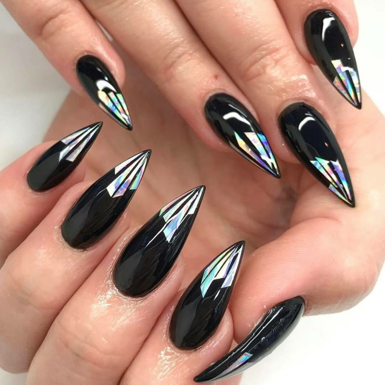 diseños de uñas color-negro-crillante-unas