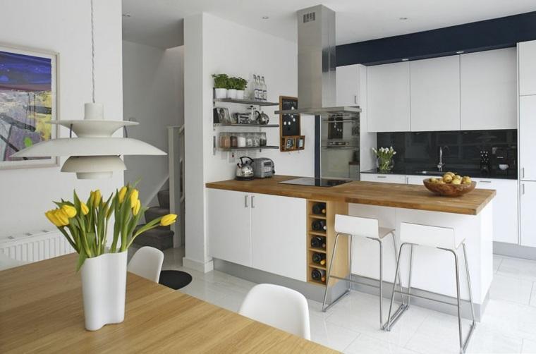 isla de cocina con zona de almacenamiento