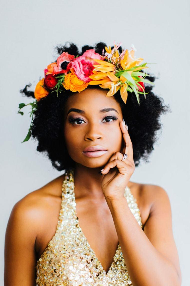 peinados para bodas pelo corto corona-flores-opciones-originales-estilo