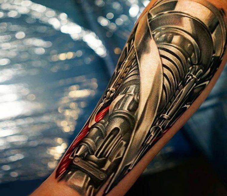 tatuaje original de biomecánica