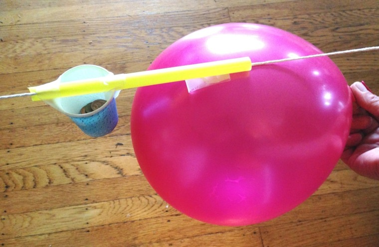 hacer un globo cohete