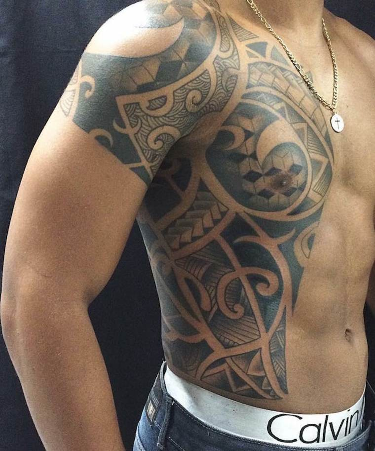 diseño de tatuaje maorí