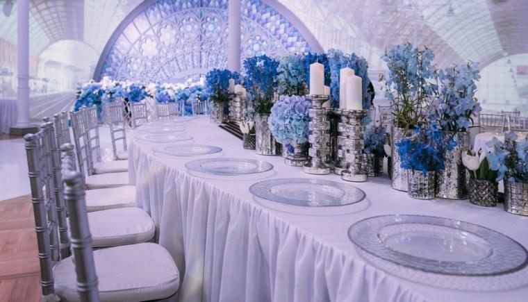 ideas-originales-para-bodas-mesa-simple-flores