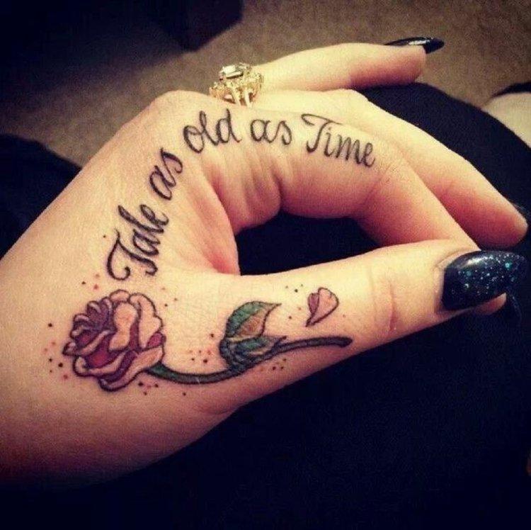 manos tatuadas dedos salas