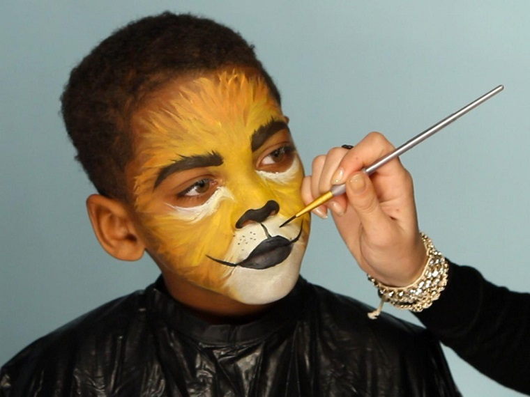 maquillaje-Halloween-ninos-ideas-chico-leon-bello
