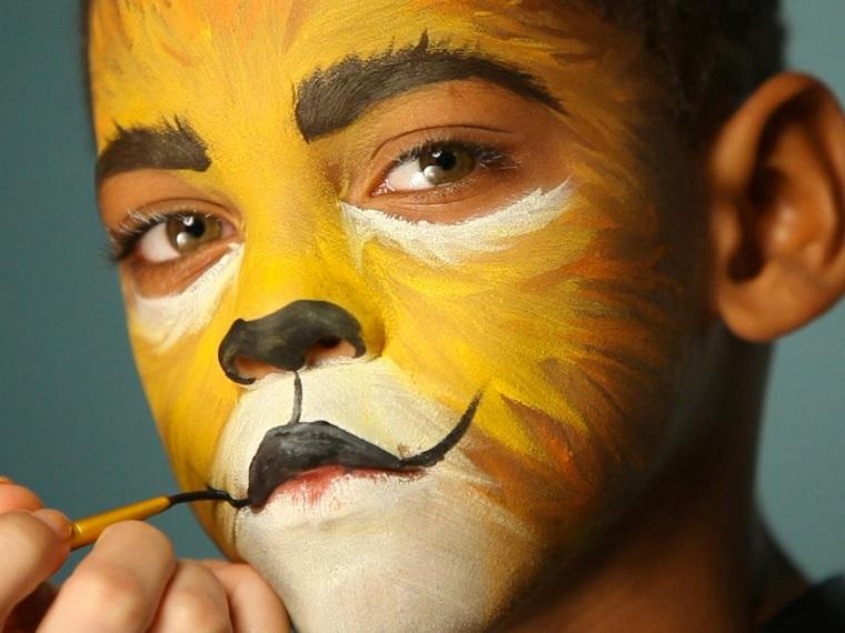 maquillaje-Halloween-ninos-ideas-chico-leon