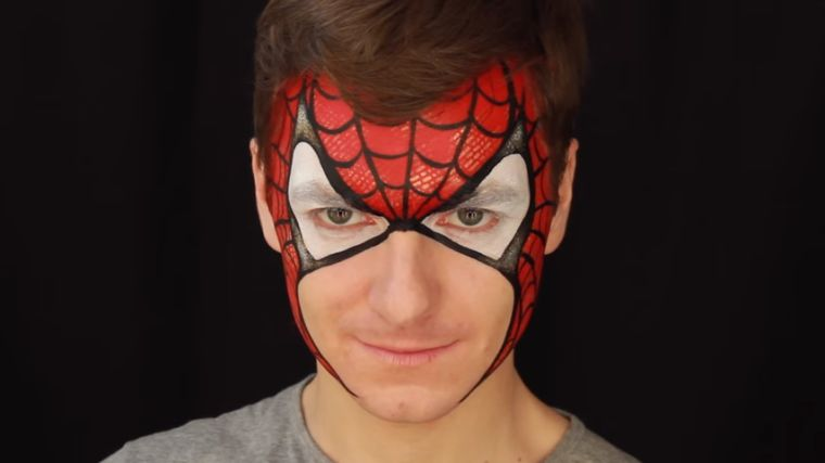 maquillaje-hombre-halloween-facil-spiderman