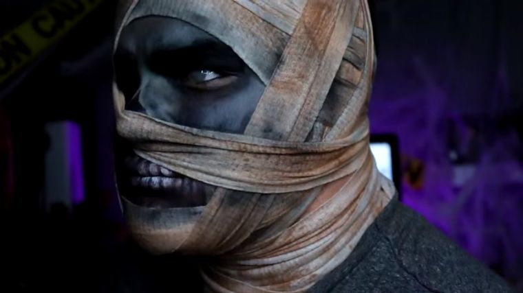 maquillaje-hombre-halloween-momia-facil