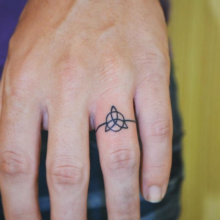 mejores-tatuajes-dedos-opciones-tribal-diseno