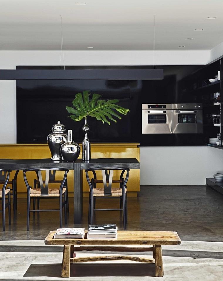 mesa-cocina-madera-negra-Studio-Guilherme-Torres