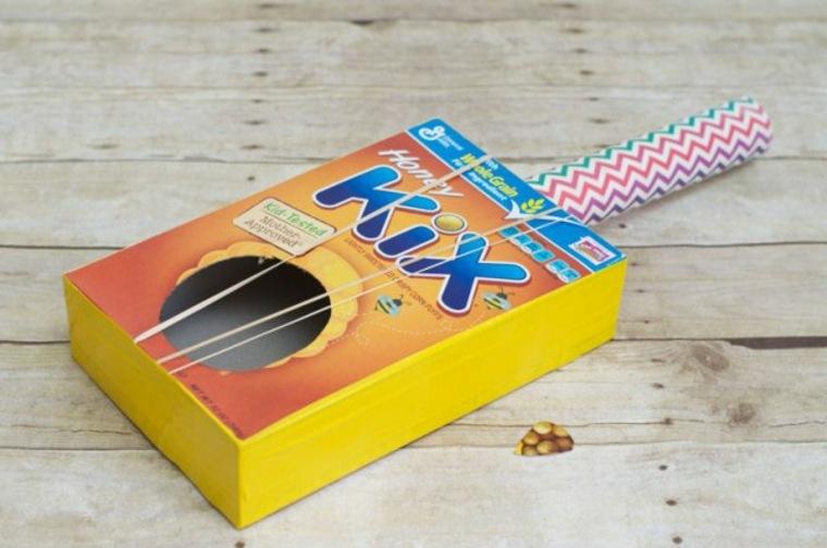 Guitarra Diy con una caja