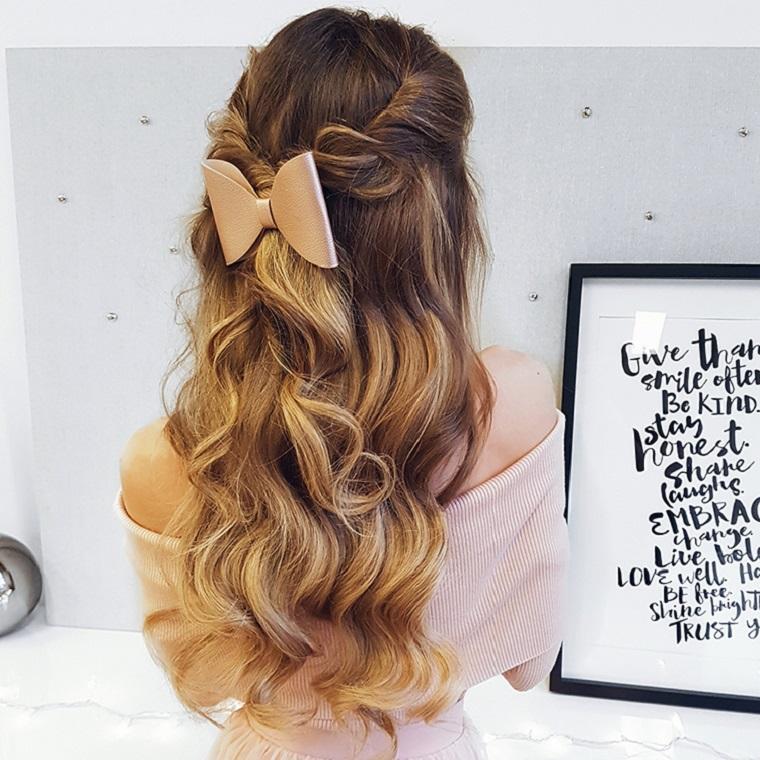 peinado cinta mechones colorados