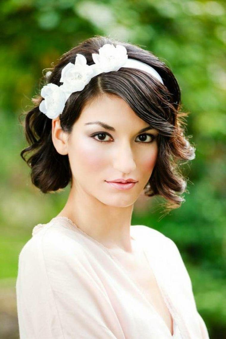 peinados-para-bodas-pelo-corto-tiara