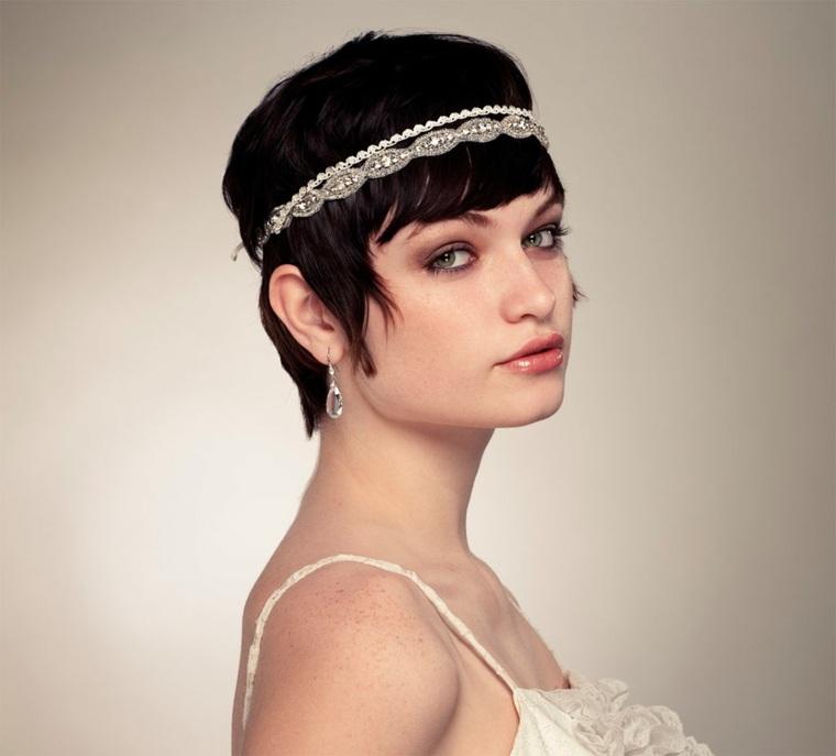 peinados-para-novias-pelo-corto-detalle-tiara