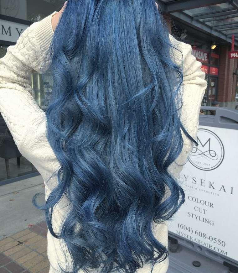pelo-largo-color-azul-opciones-estilo