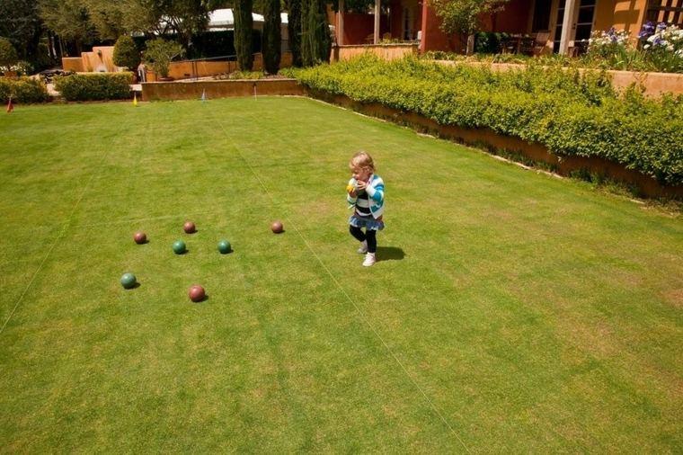 pelotas espacio patio exterior