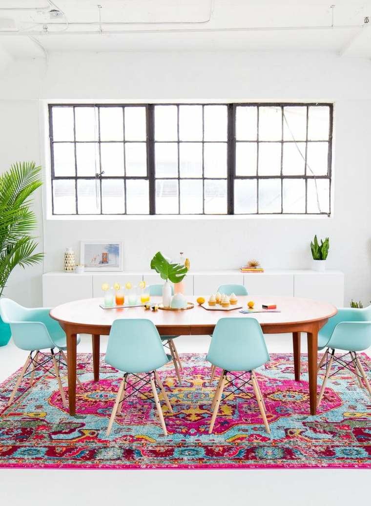 bonito conjunto de mesa y sillas de comedor
