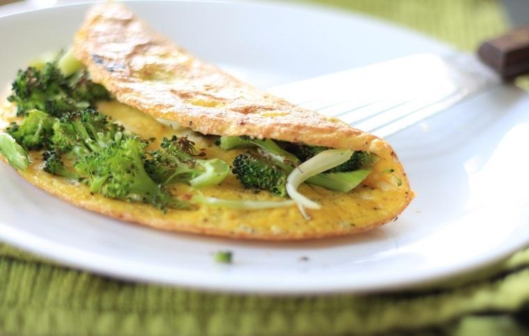 recetas sanas-bajas-calorias-opciones-brocoli-omlette
