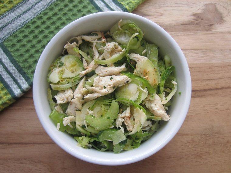 recetas sanas-bajas-calorias-opciones-coles-bruselas-pollo