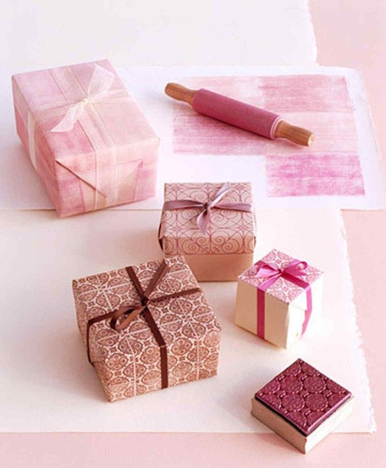 Lazos para decorar regalos cmo hacer un adorno para for Decorar regalos