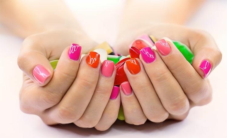 sencillas combinaciones colores manicura