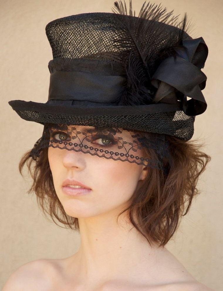 sombrero con encaje