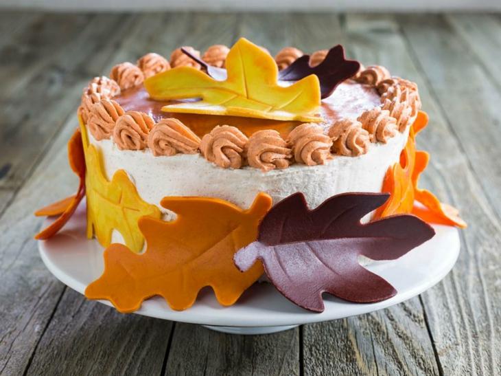 tartas de cumpleaños hojas secas